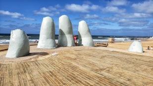 La Mano en la Arena - Die Hand im Sand