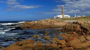 Die Küste entlang zum 1881 erbauten...